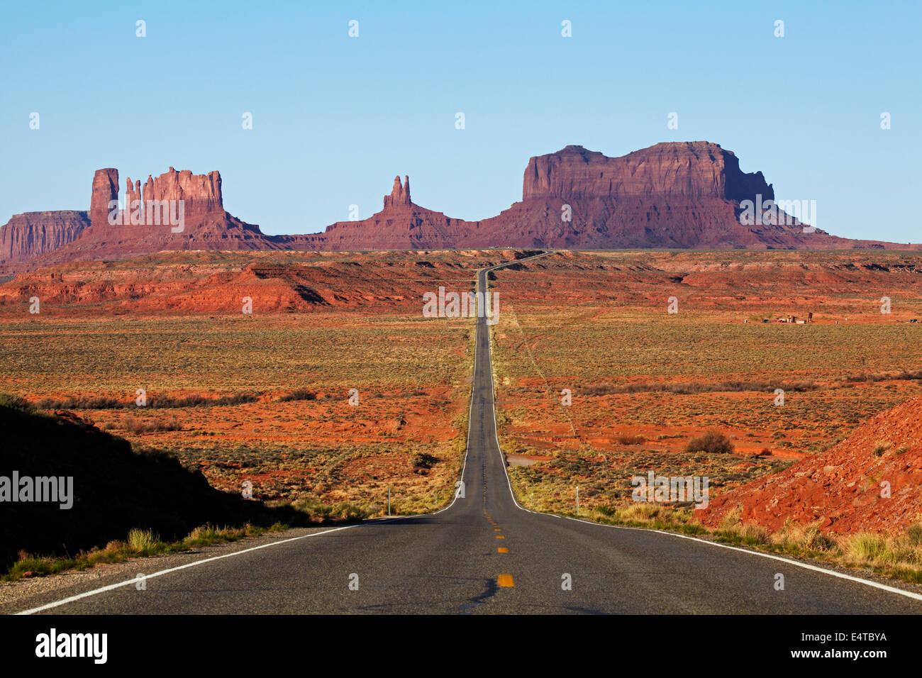 U.S. Route 163 heading towards Monument Valley, Navajo Nation, Utah, near Arizona Border, USA - Stock Image