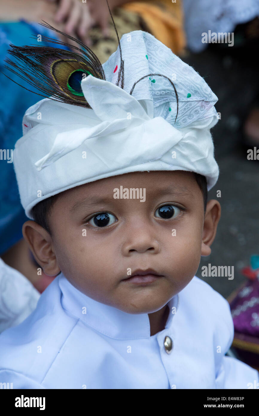 Bali Indonesia Little Hindu Boy Wearing An Udeng The Traditional