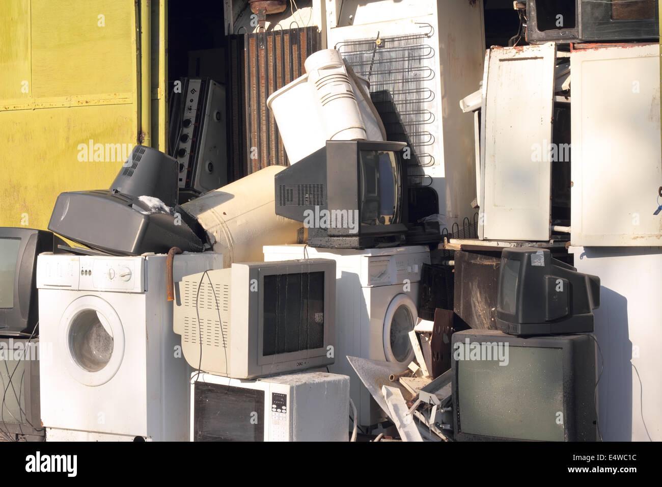 Dump the old broken appliances - Stock Image