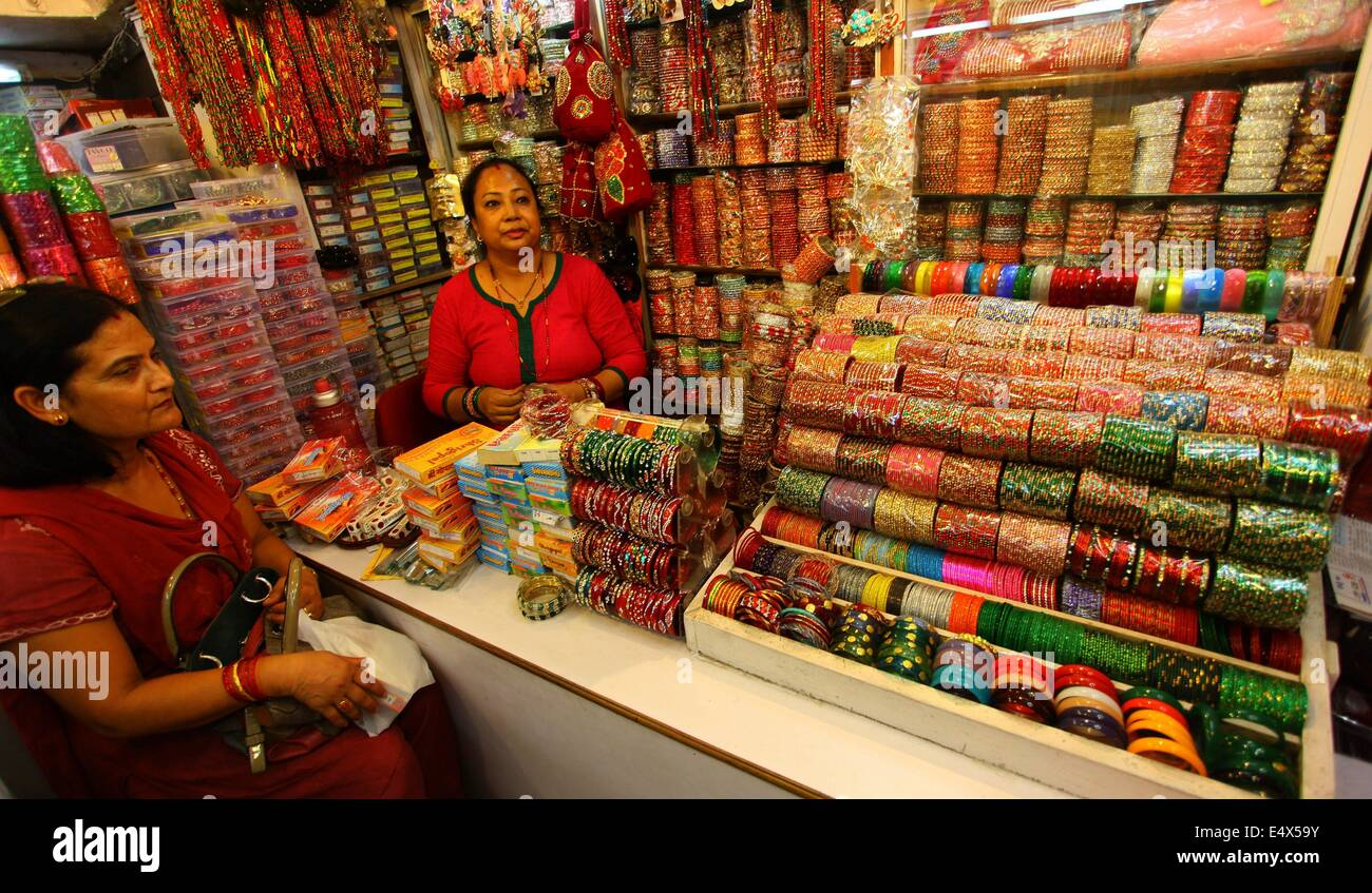 images india rajasthan stock street bangle bikaner alamy bangles image shop photos photo