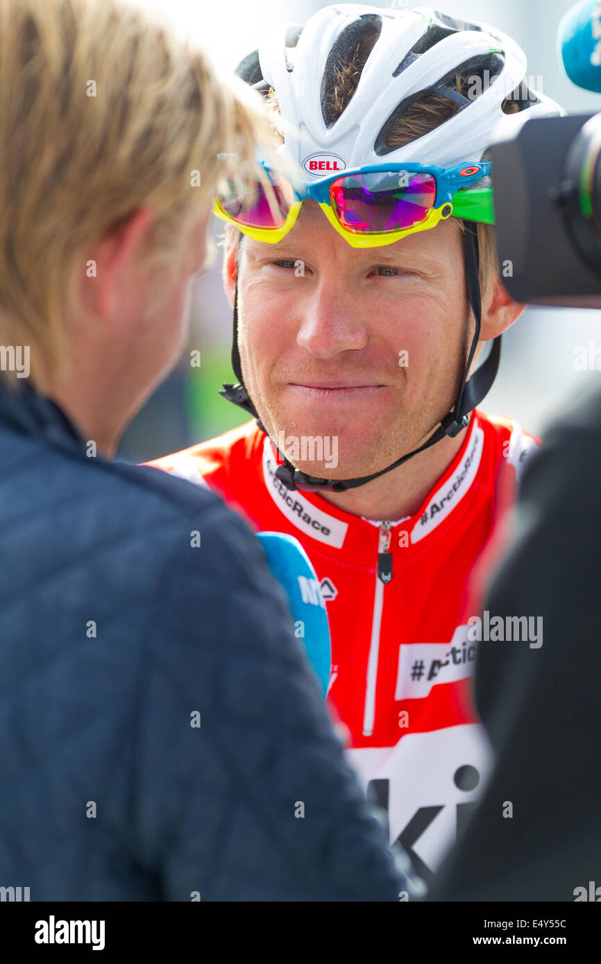 Pro cyclist Lars Petter Nordhaug being interviewed - Stock Image