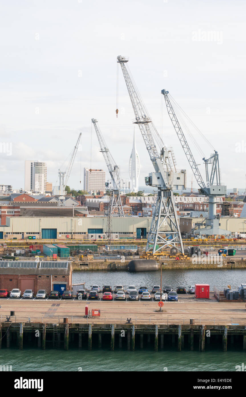 Cranes in Portsmouth Naval dockyard, Hampshire, England, UK - Stock Image
