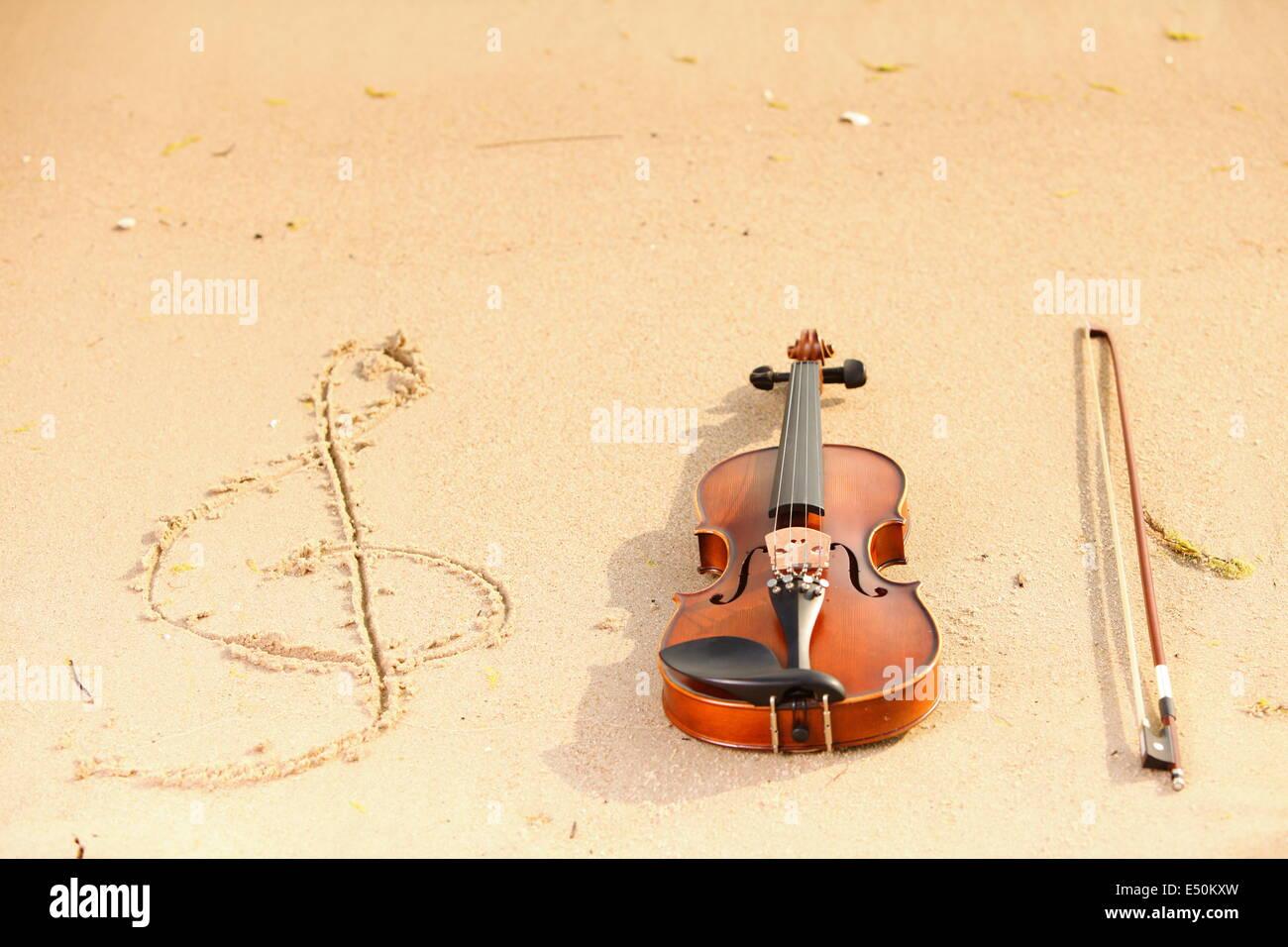 Violin Clef Stock Photos & Violin Clef Stock Images - Alamy