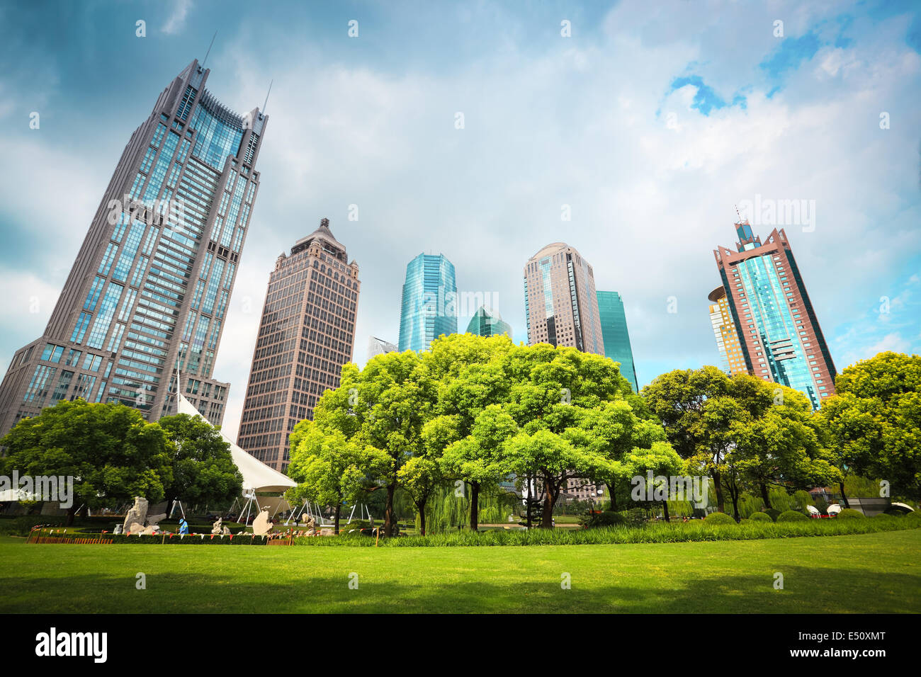 city greenbelt with modern buildings - Stock Image