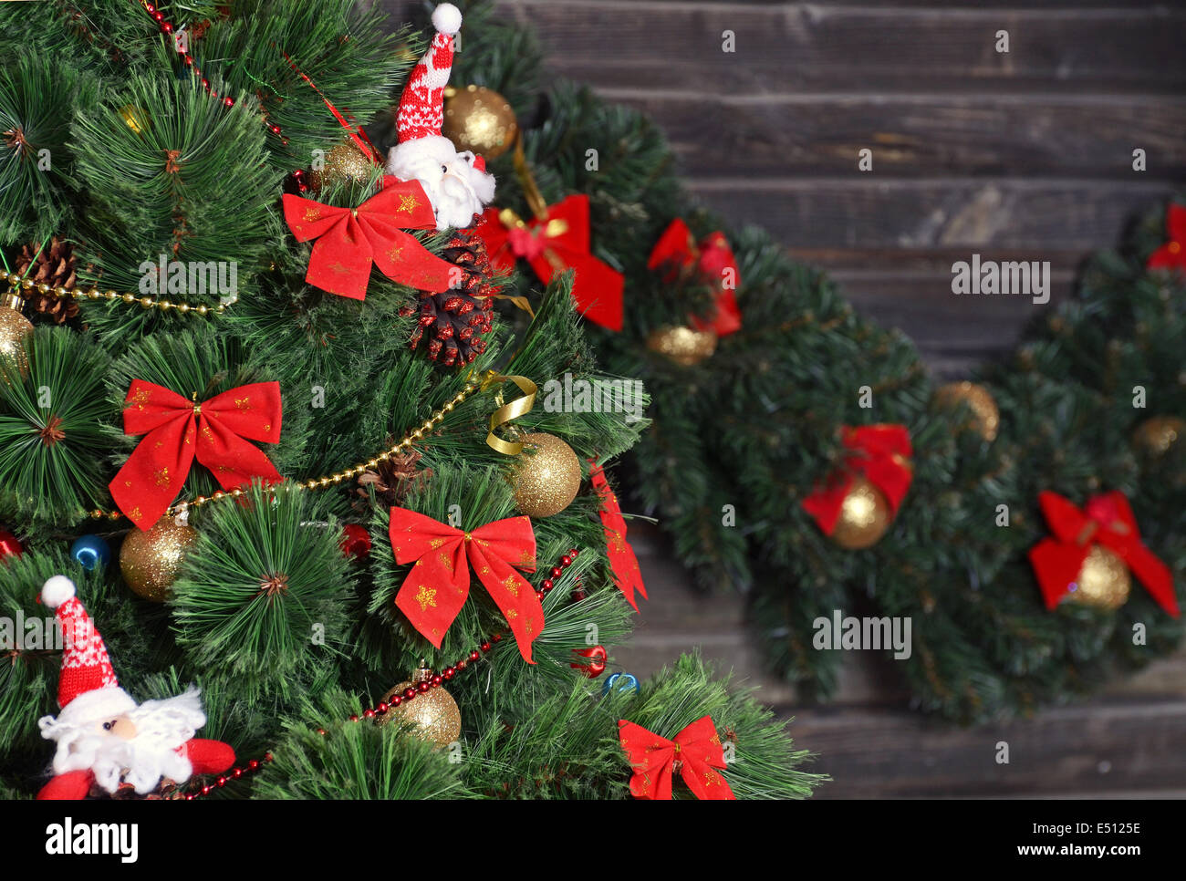 Vintage Country Christmas Tree High Resolution Stock Photography And Images Alamy