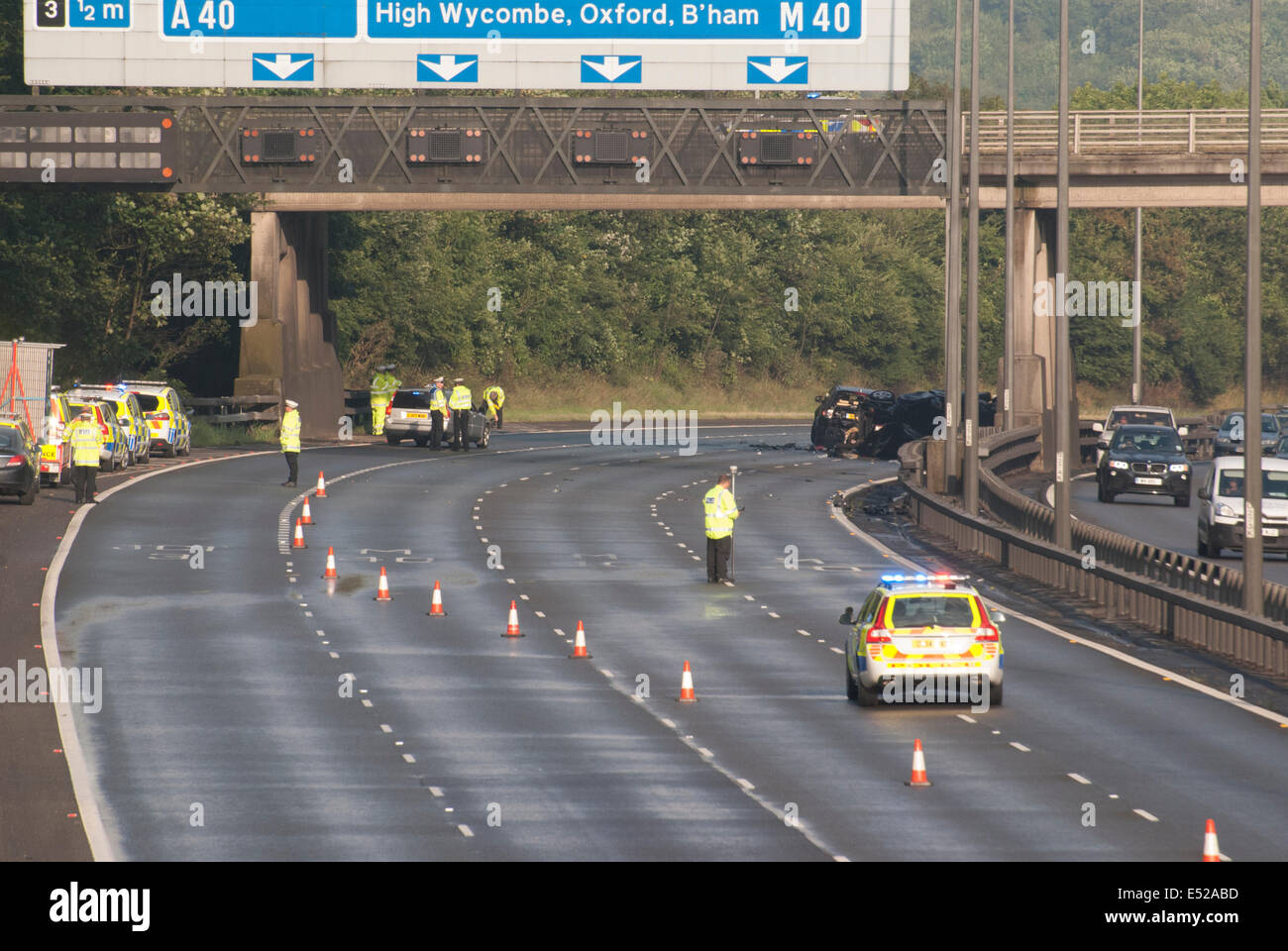 Between Junctions 2-3, M40 Motorway, Buckinghamshire, UK. 18th July, 2014. Two people killed and six injured in Stock Photo