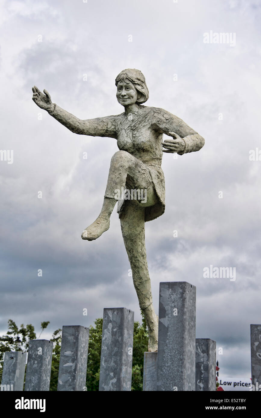One of the figures from David Annand's sculpture 'Reel of Three. - Stock Image