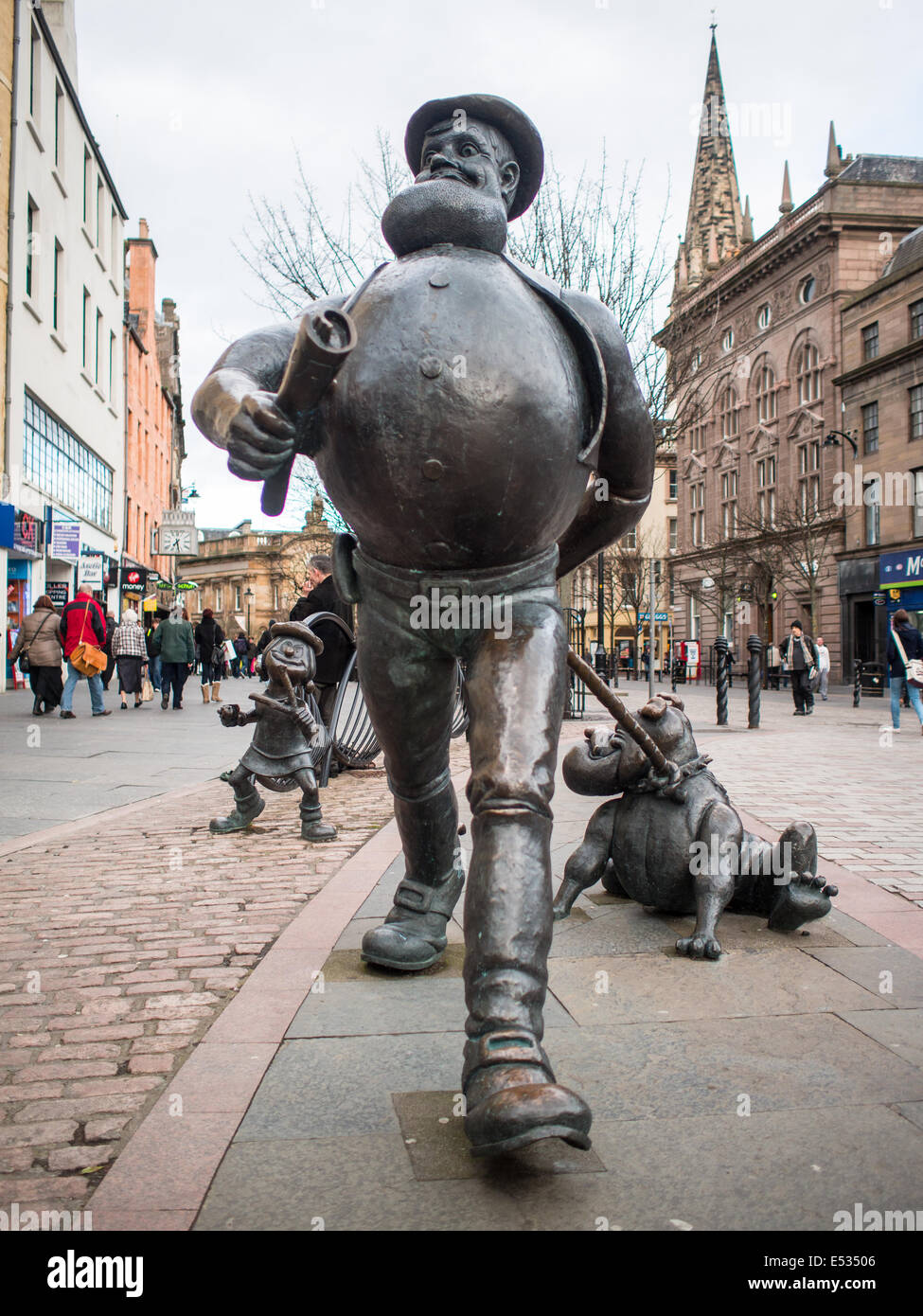 Desperate Dan statue in Dundee's City Square - Stock Image