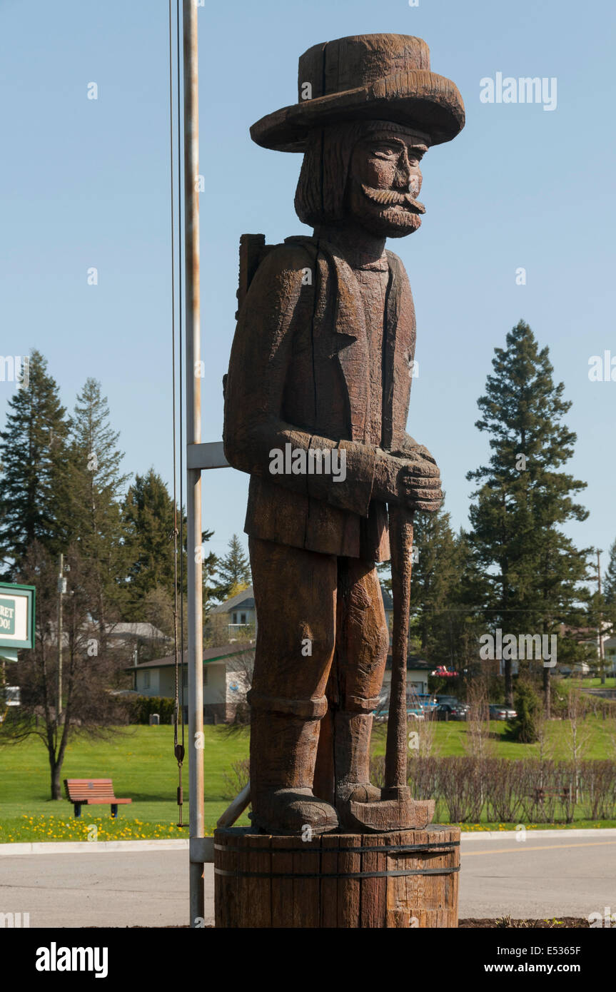 Elk203-3179v Canada, British Columbia, Quesnel, Visitor Center, prospector statue - Stock Image