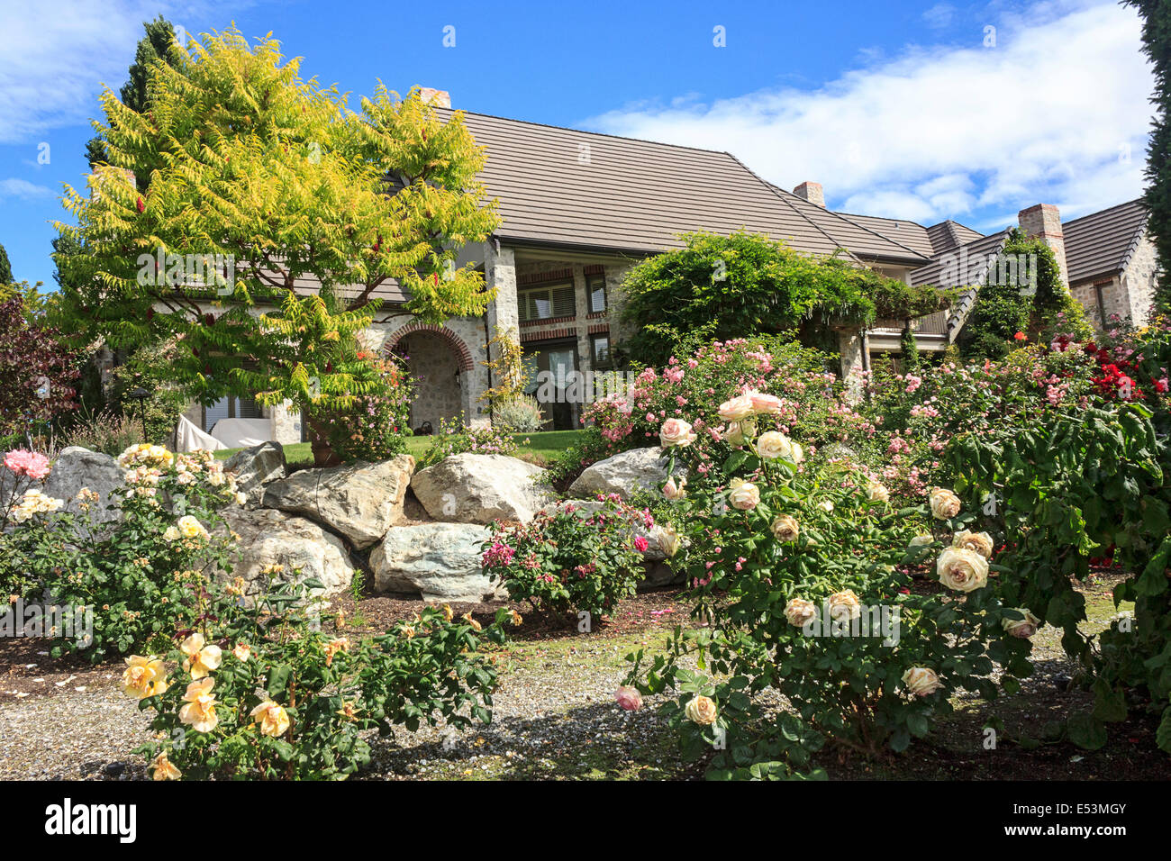 Beautiful home of Bart and Sheila Clennon, part owners of G&C Farms which grows Orondo Ruby cherries. - Stock Image