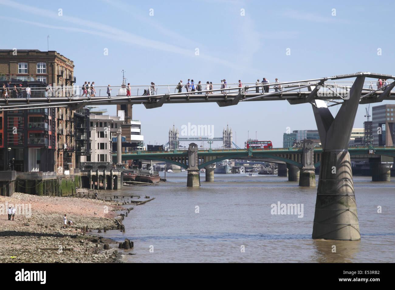 London Bridges Millennium Bridge in foreground - Stock Image