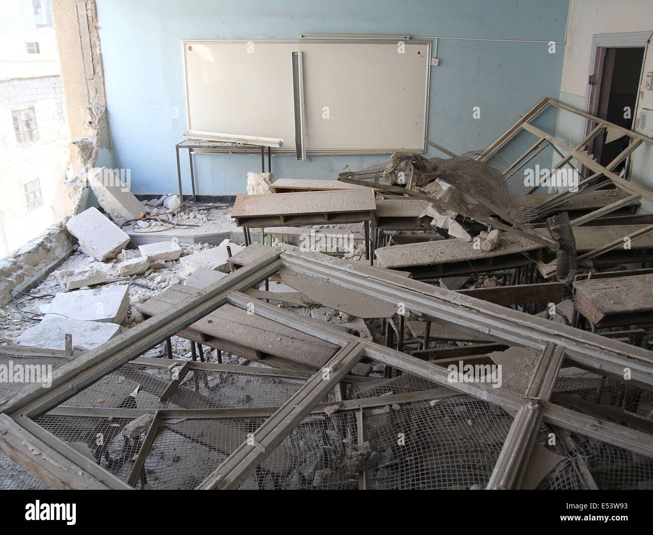 Aleppo, Syria. 13th Jan, 2013. A classroom, in a blown up school builidng, is no longer used by students in Aleppo, - Stock Image