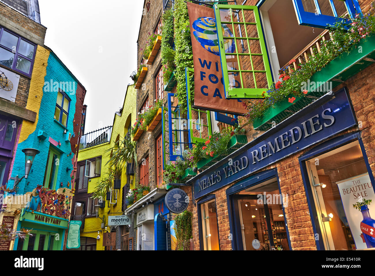 Covent Garden: Is a district in London on the eastern fringes of the West End, between St. Martin's Lane and - Stock Image