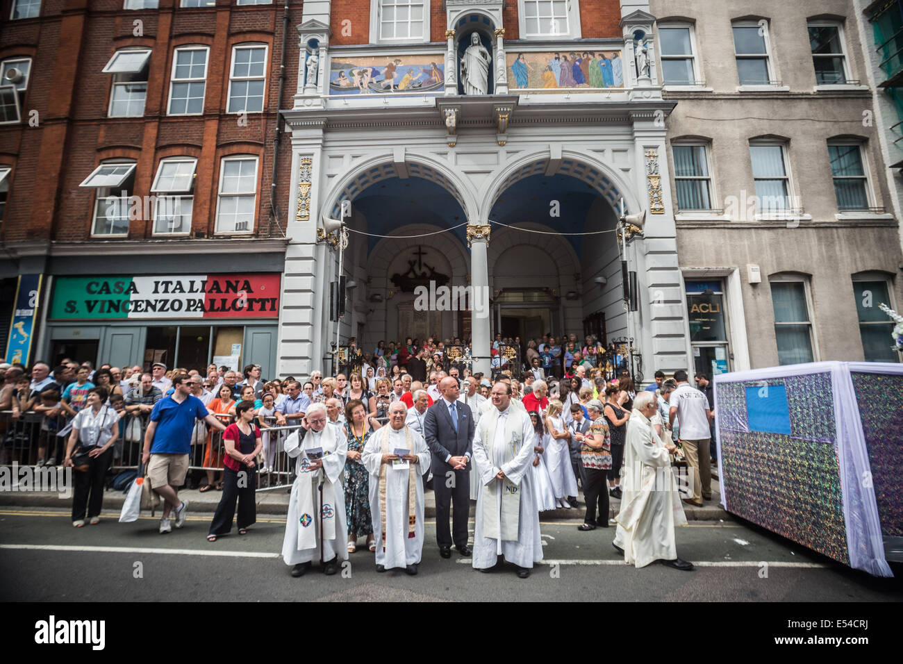 Annual procession of Madonna del Carmine (Our Lady of Mount Carmel) by British Italians outside St. Peter's Italian Stock Photo
