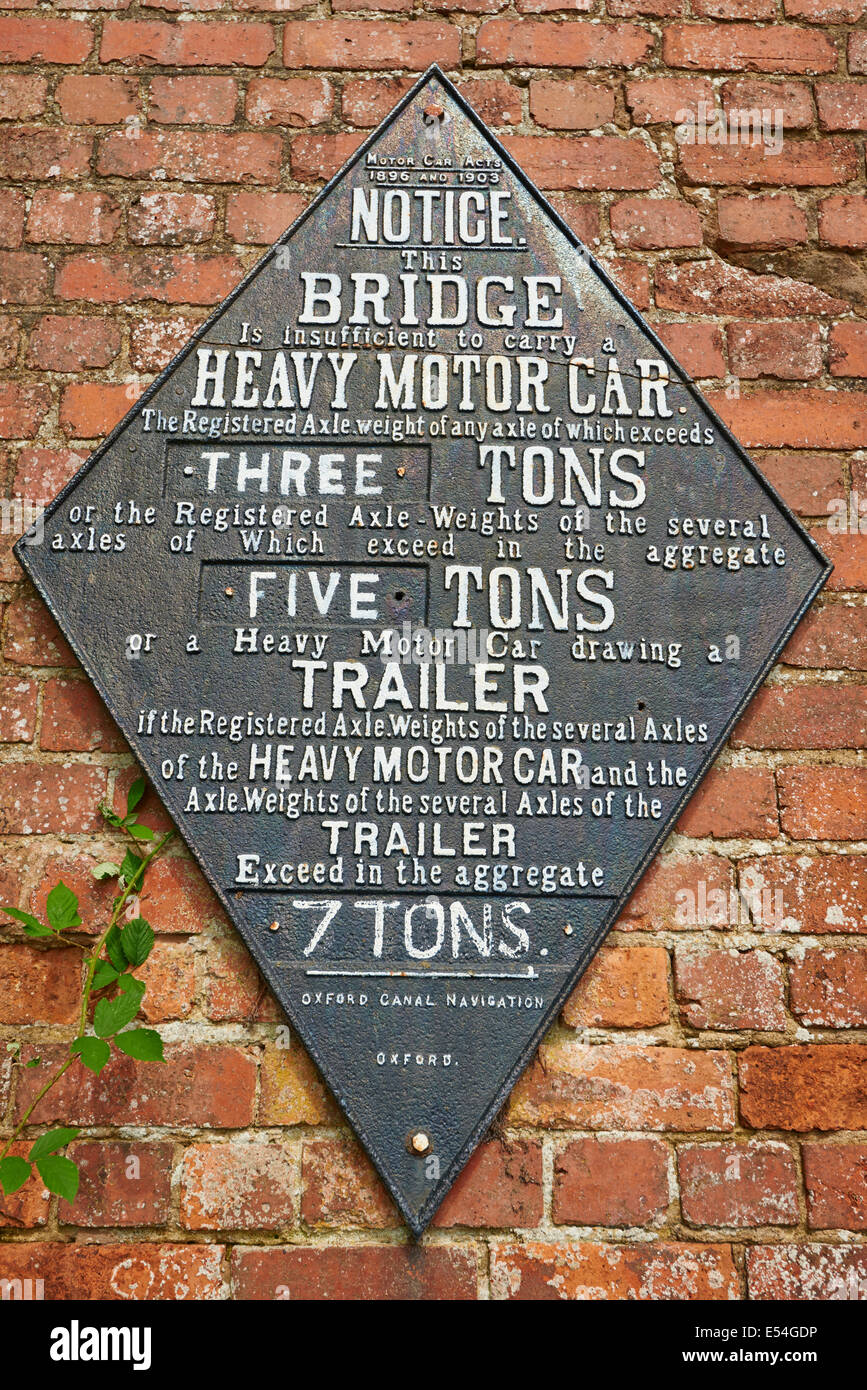 Canal Bridge Sign Showing Weight Capacity Or Limit Of The Bridge Foxton Locks Market Harborough Leicestershire UK - Stock Image