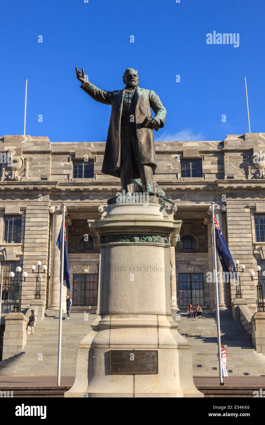 Statue at Parliament Building, Wellington,North Island,New Zealand,Oceania - Stock Image