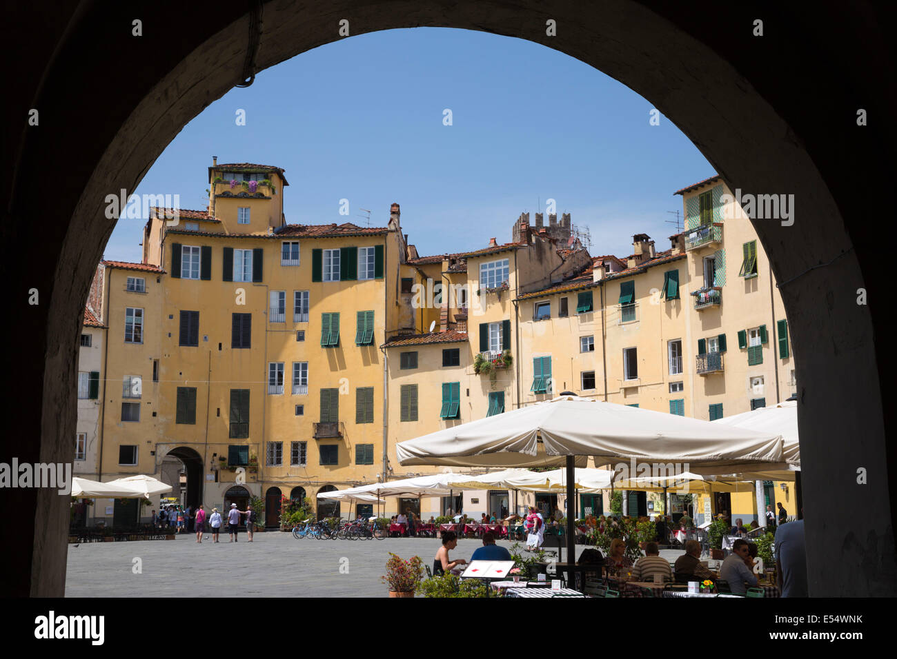 Restaurants in the Piazza Anfiteatro Romano, Lucca, Tuscany, Italy, Europe - Stock Image