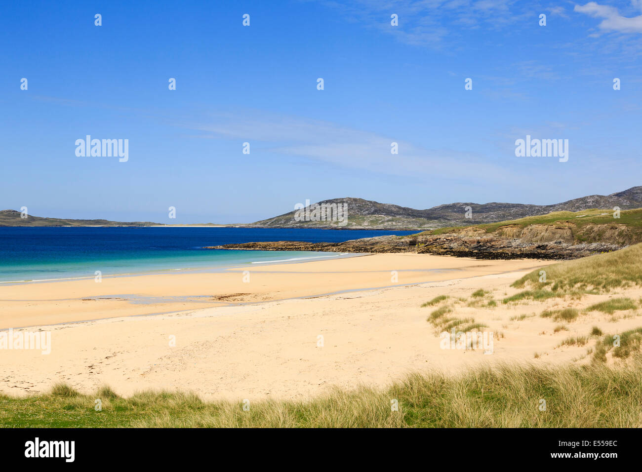 View across pristine sands of Traigh Lar beach to Isle of Taransay on west coast Horgabost Isle of Harris Outer - Stock Image