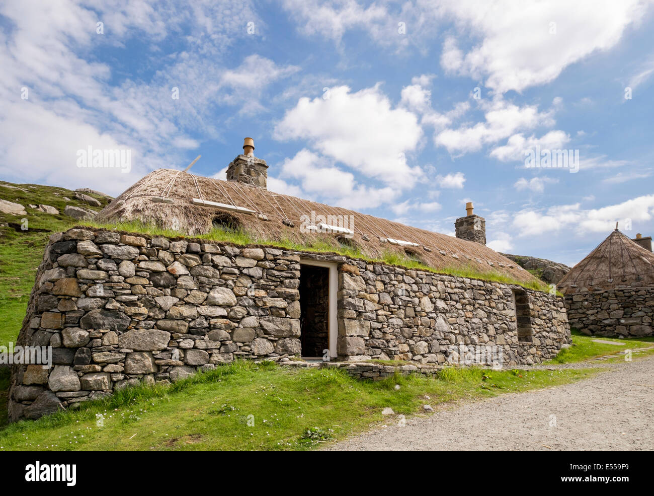 restored old croft in na gearrannan blackhouse village garenin stock photo 72031997 alamy. Black Bedroom Furniture Sets. Home Design Ideas