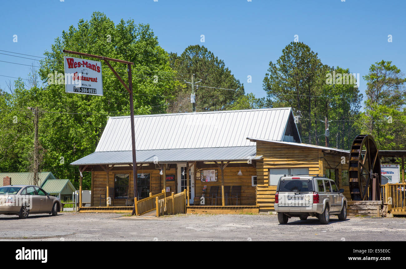 Wes-Man's Restaurant across from Old Car City in White Georgia - Stock Image
