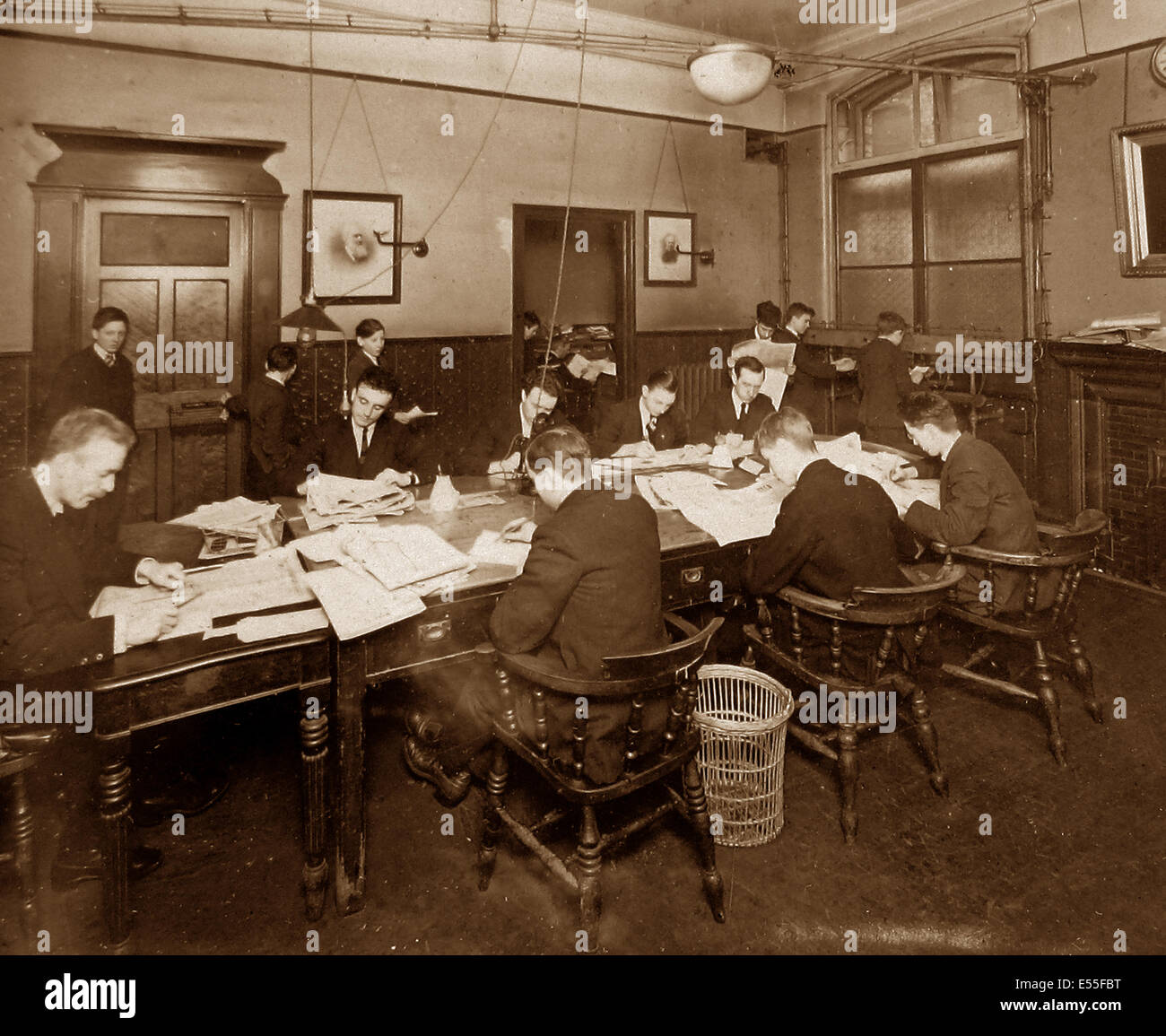 Publishing the Liverpool Express and Weekly Courier - Editorial Department early 1900s - Stock Image
