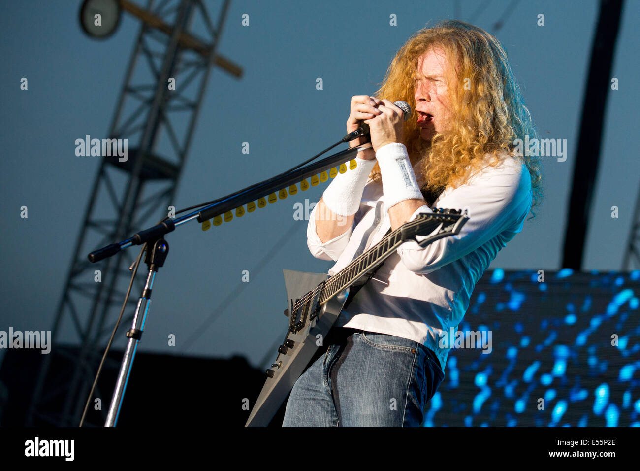 Oshkosh, Wisconsin, USA. 17th July, 2014. DAVE MUSTAINE of the band ...