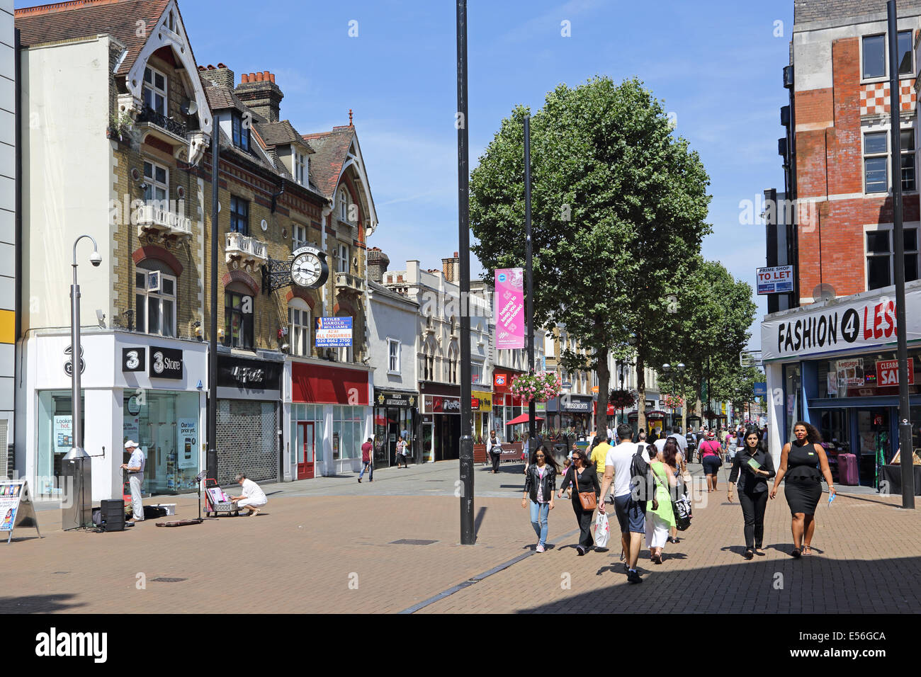 Croydon town centre. Northend, the pedestrianised shopping street adjoining the Whitgift Centre and Central shopping - Stock Image
