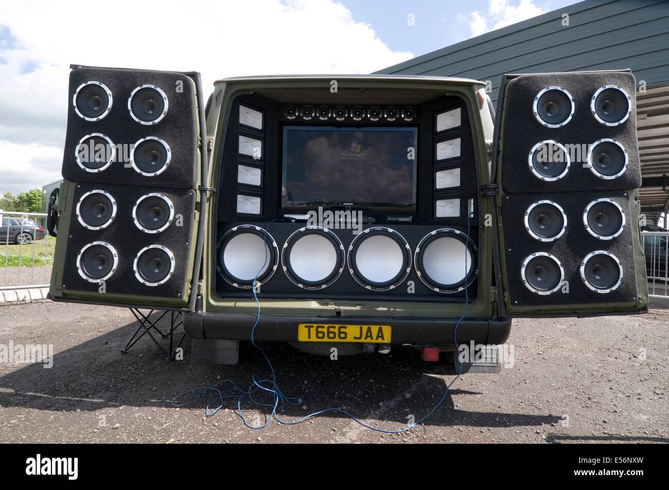 loud car stereo stereos music bass speaker speakers in car entertainment chav sub woofer treble tweeter tweeters - Stock Image