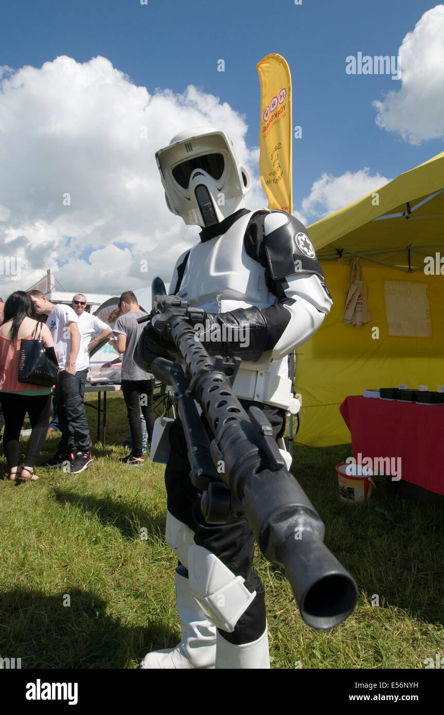 star wars stormtrooper scout trooper storm trooper troopers scout trooper forest moon endor - Stock Image