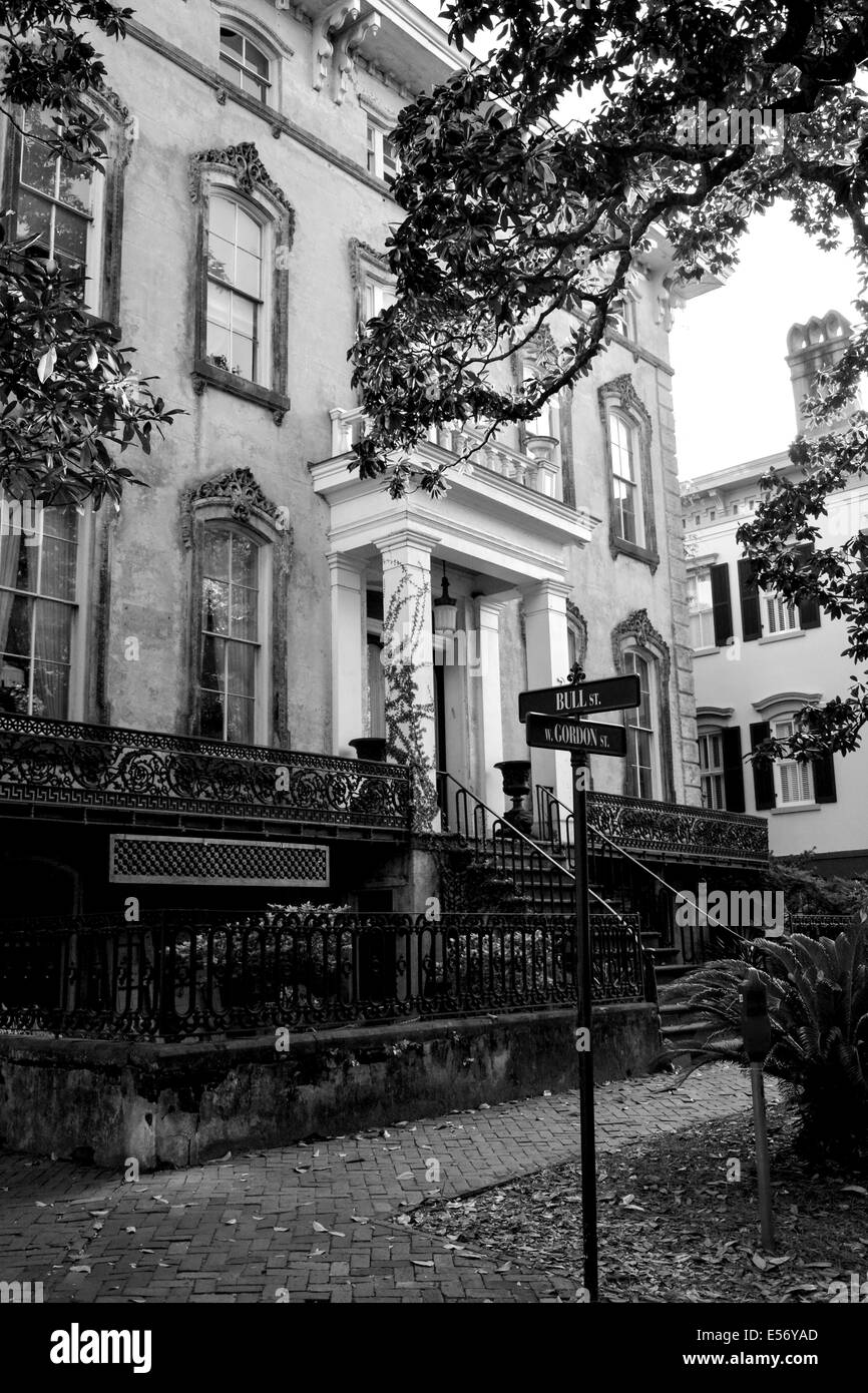 Restored, refined residential architecture and gardens delight throughout the historical Victorian district of Savannah, - Stock Image