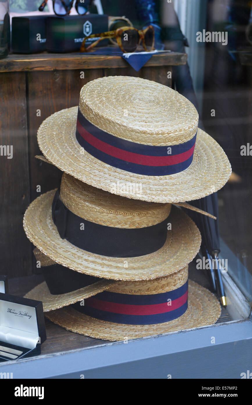 Straw boater hats Edwardian style retro fashion tweed Chap English Gent gentleman - Stock Image