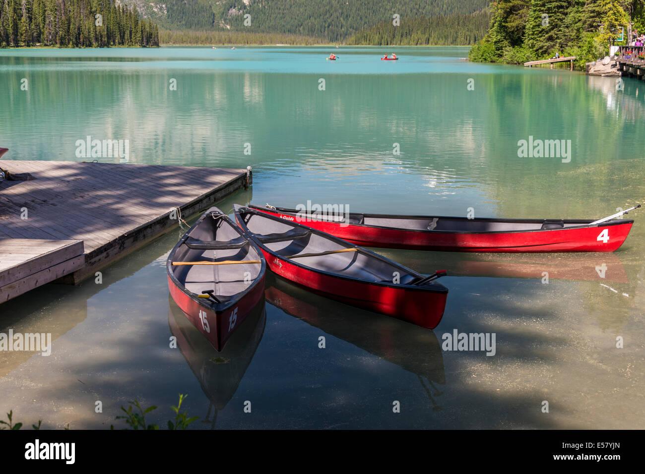 Canoeing in Emerald Lake - Stock Image