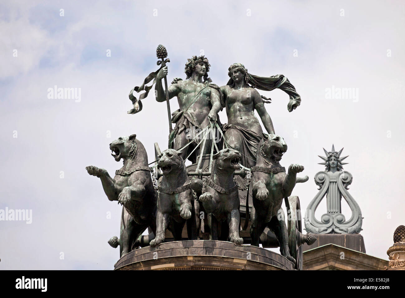 Panther quadriga with Dionysos and Ariadne by Johannes Schilling on the Semperoper, Dresden, Saxony, Germany Stock Photo