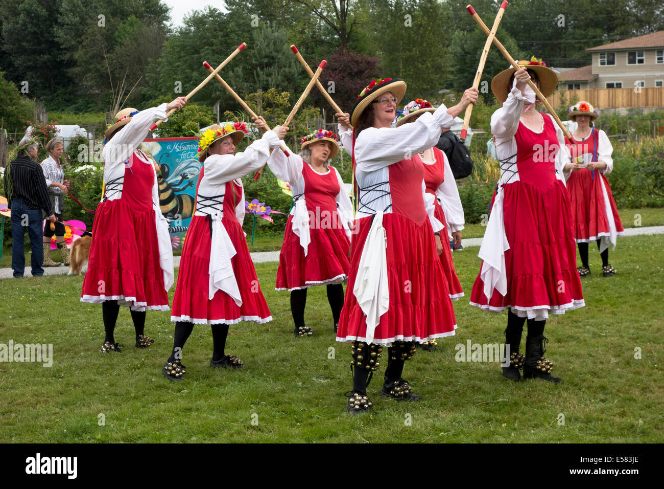 Tiddley Cove Morris Dancers of Vancouver perform at the Midsummer Fete in Port Coquitlam, BC. (Greater Vancouver) - Stock Image