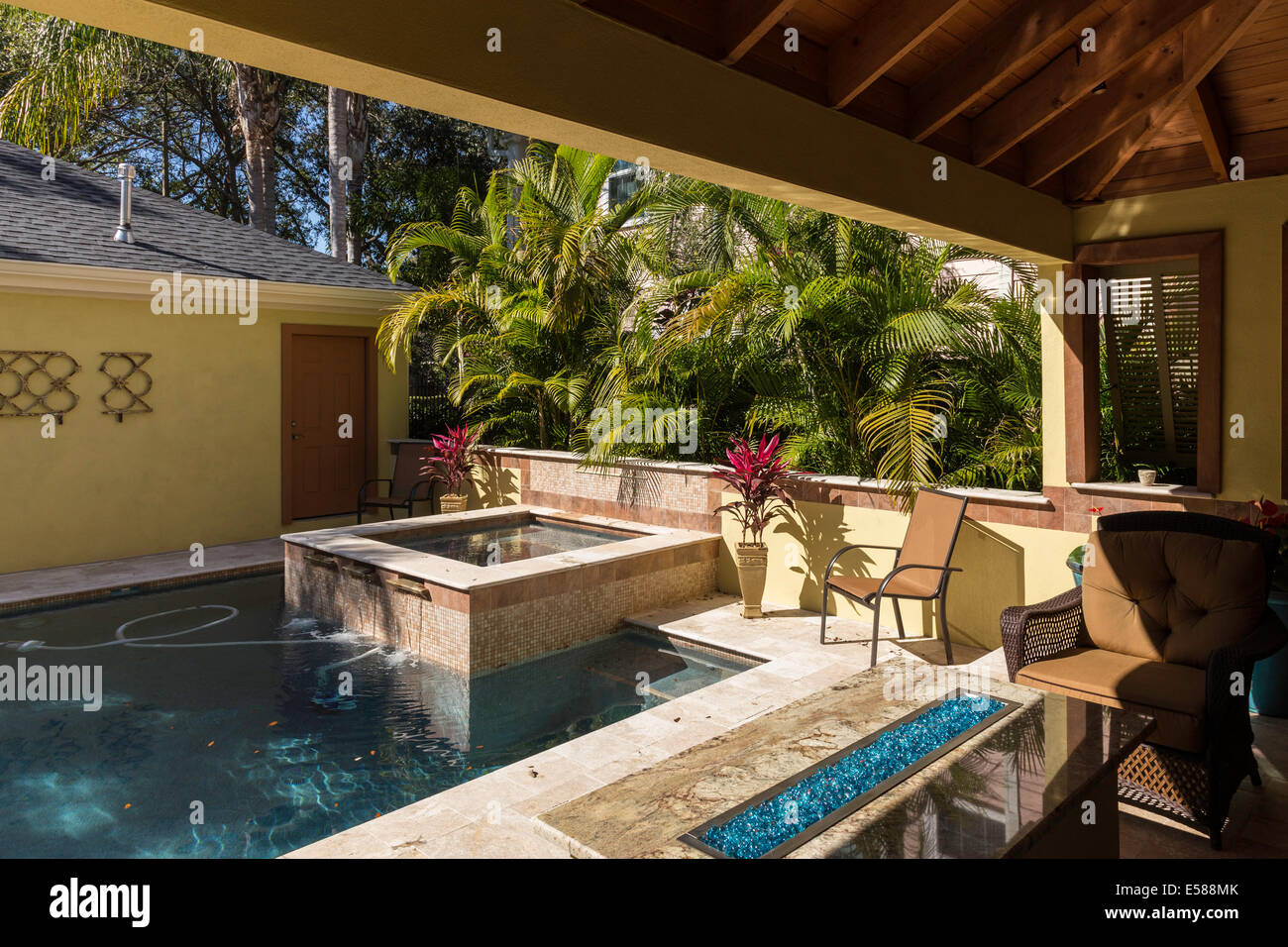 Swimming Pool, Jacuzzi , Deck and Outdoor Room, Showcase Residential ...