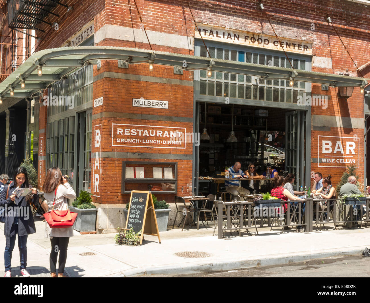 Italian Restaurant Little Italy Nyc Stock Photo 72100635
