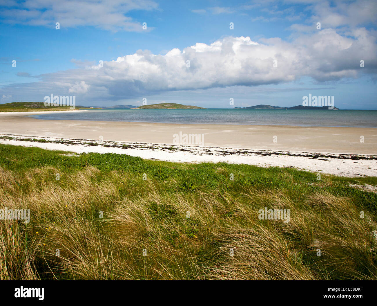White sand at Traigh Mhor beach, the Cockle Strand, Barra, Outer Hebrides, Scotland - Stock Image