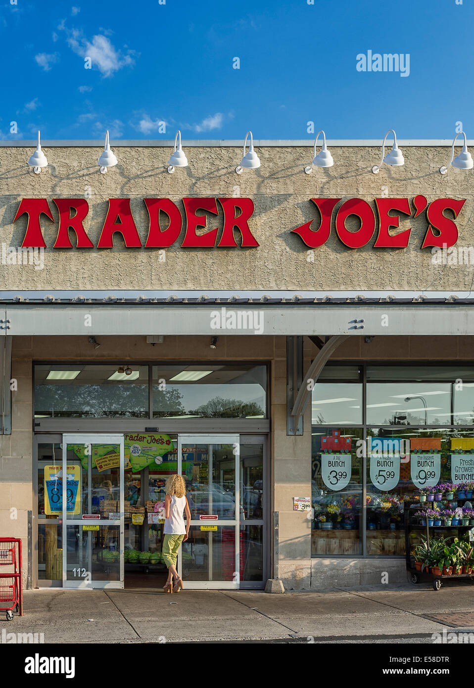 Exterior of Trader Joe's specialty food store, Ardmore, Pennsylvania, USA - Stock Image