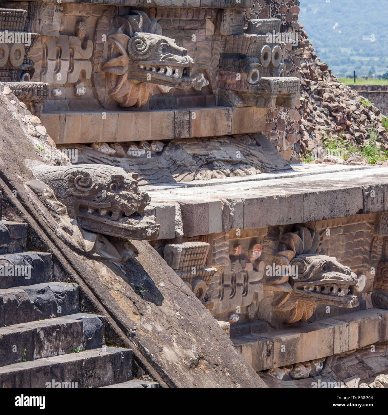 Serpent heads on the temple of Quetzalcoatl at Teotihuacan, Mexico. - Stock Image