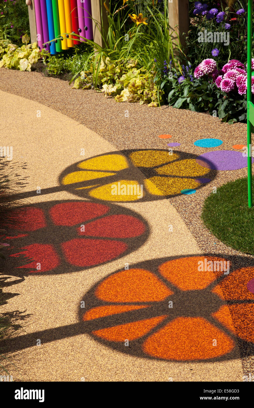 Tatton Park, Manchester, UK. 23rd July, 2014.  Circular Images. and Coloured shadows, coloured circles, spinning - Stock Image