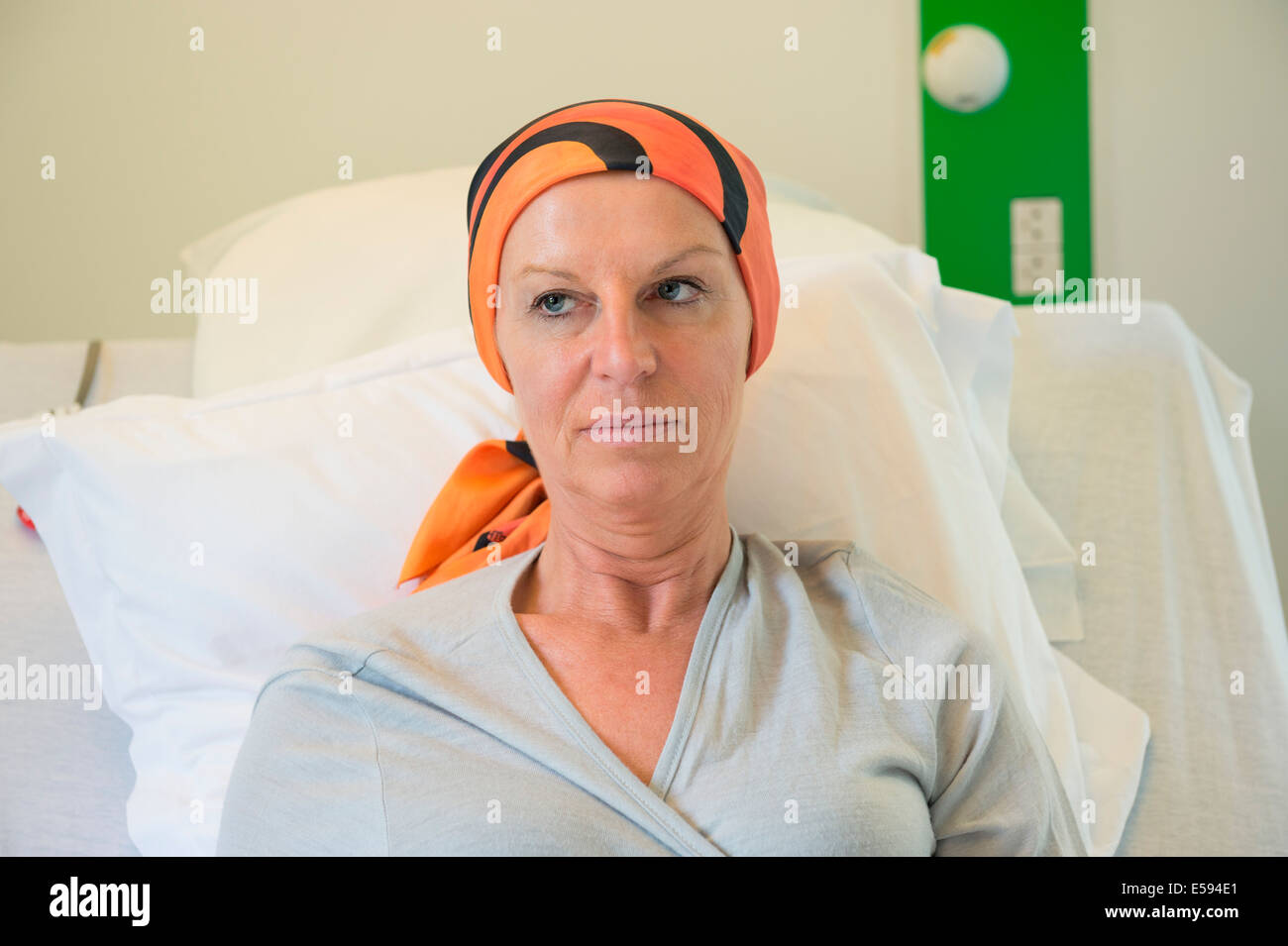 Patient receiving out-patient chemotherapy treatment - Stock Image