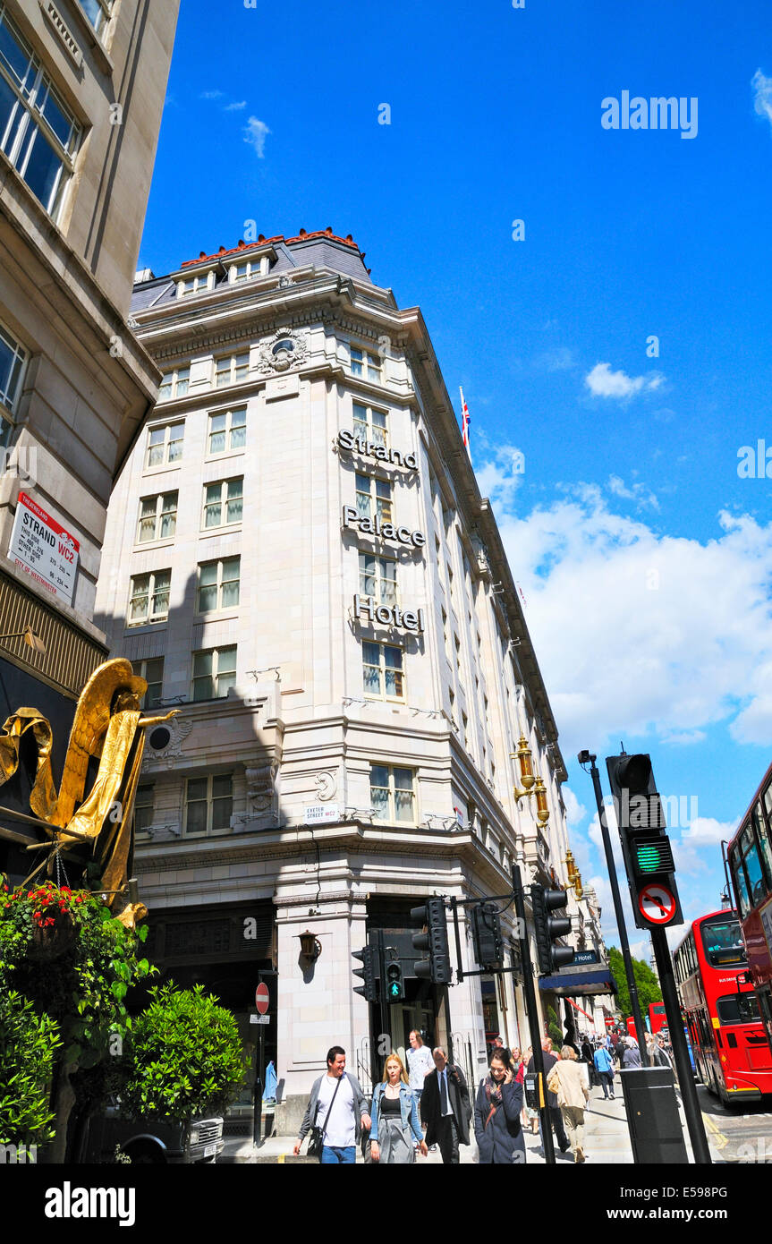 Strand Palace Hotel London Stock Photos & Strand Palace Hotel London Stock Images - Alamy