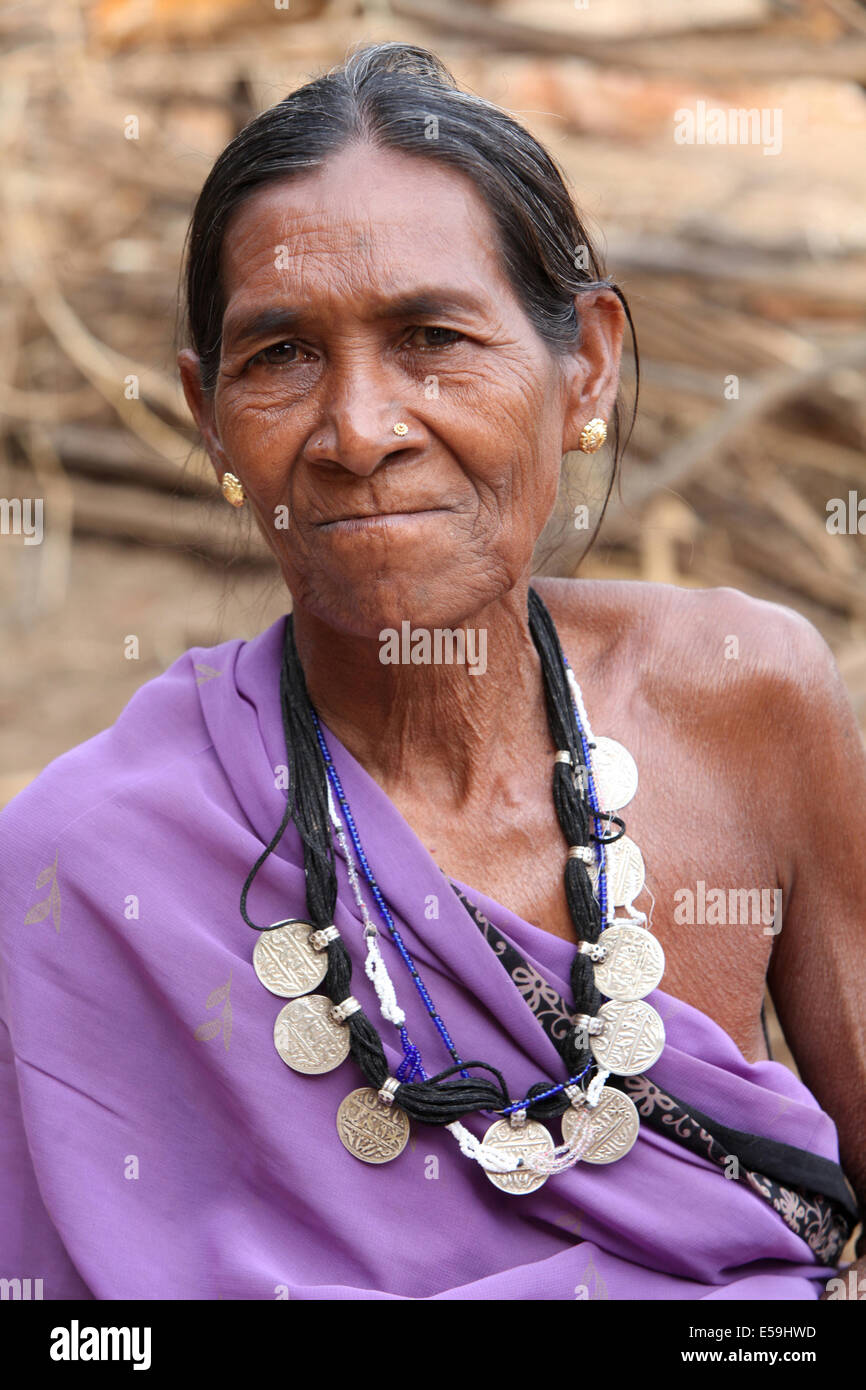 Kamar Tribal Old woman wearing coin silver neckless, Matal Village, Chattisgadh, India - Stock Image
