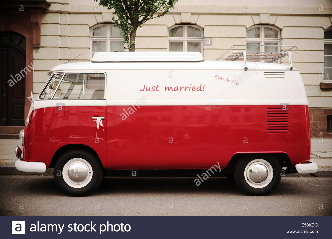Volkswagen camper van, with 'Just Married !' written on side. Heidelberg, Germany. Stock Photo