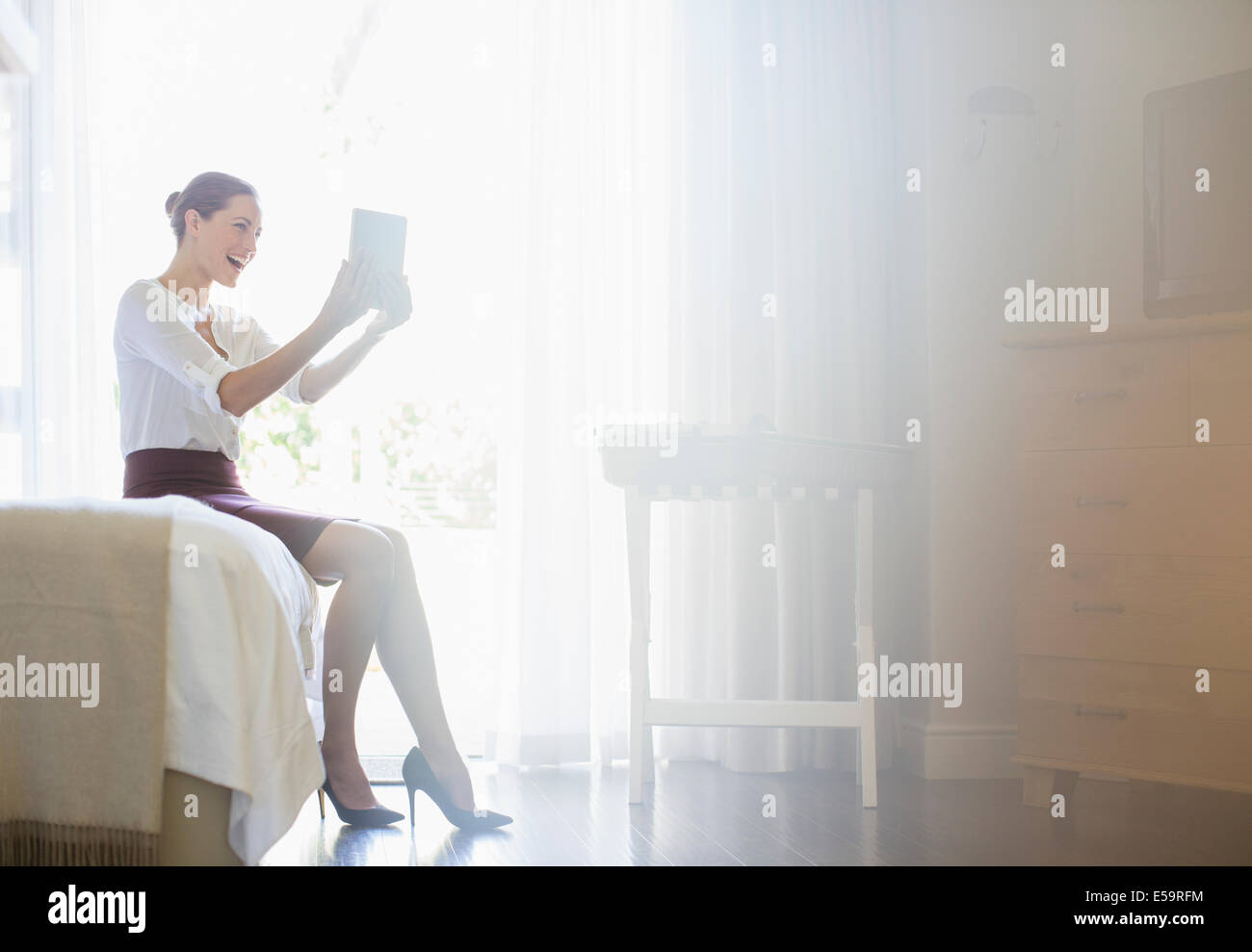 how to sell hotel rooms online