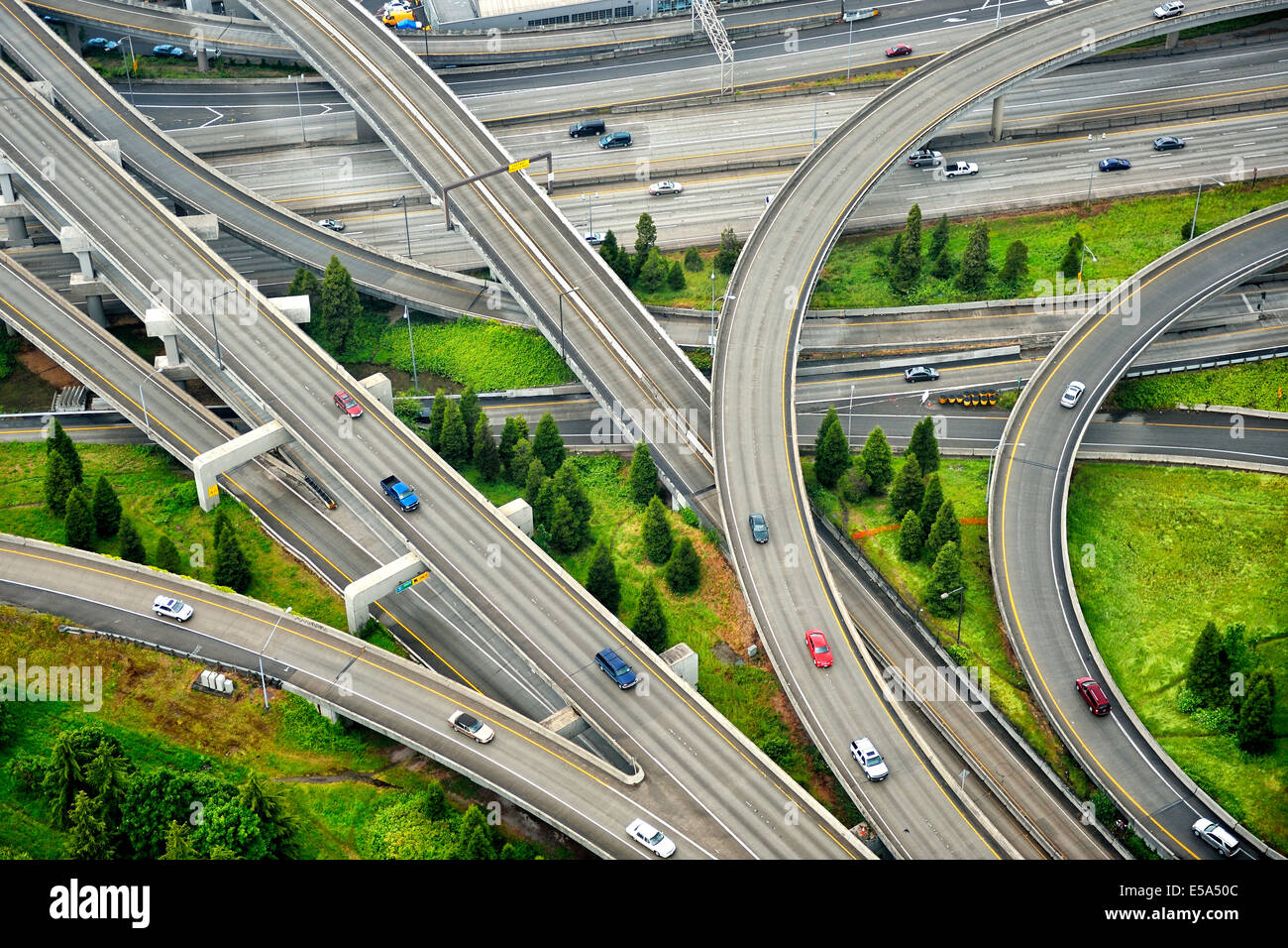 Aerial view of interstate change overpasses - Stock Image