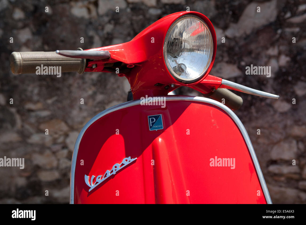 red vespa stock photos red vespa stock images alamy