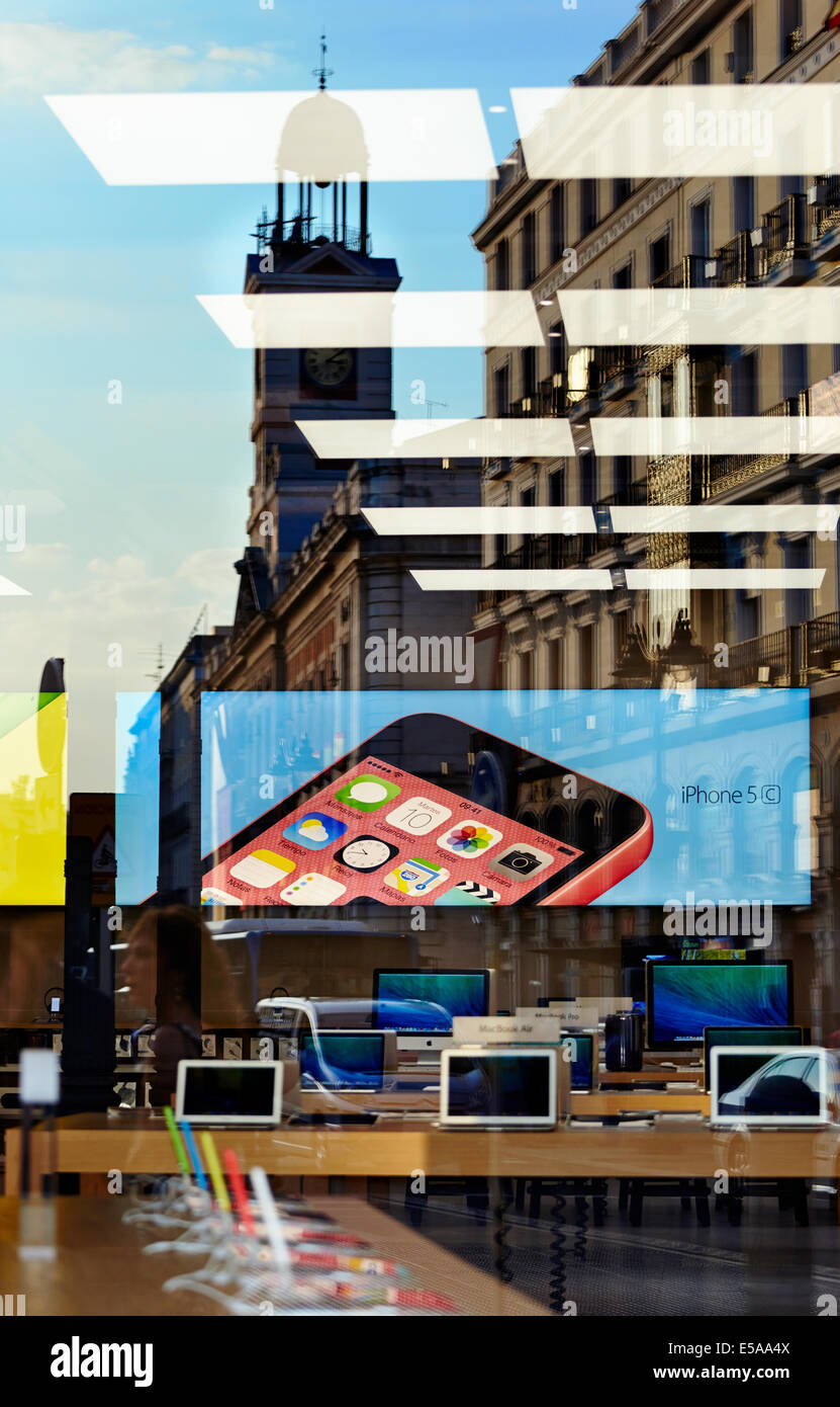 New Apple store reflection at the Puerta del Sol. Madrid. Spain - Stock Image