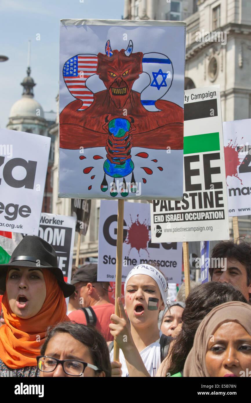 London, UK. 26 July 2014. Protesters gathered near the Israeli Embassy in Kensington High Street, London, ahead - Stock Image