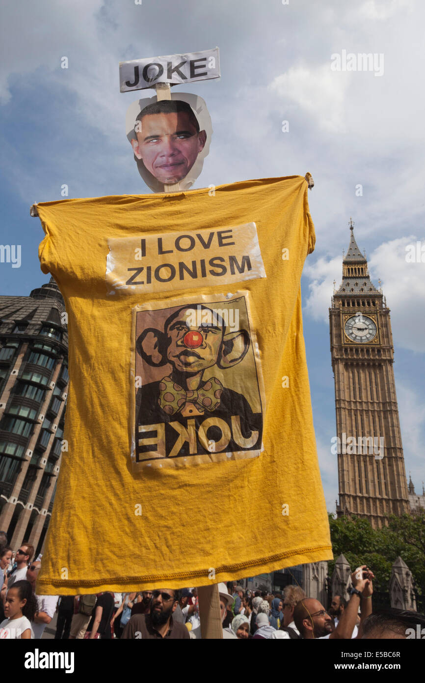 London, UK. 26 July 2014. A T-shirt with a Barack Obama mask and the slogan 'I love Zionism'. Protesters - Stock Image